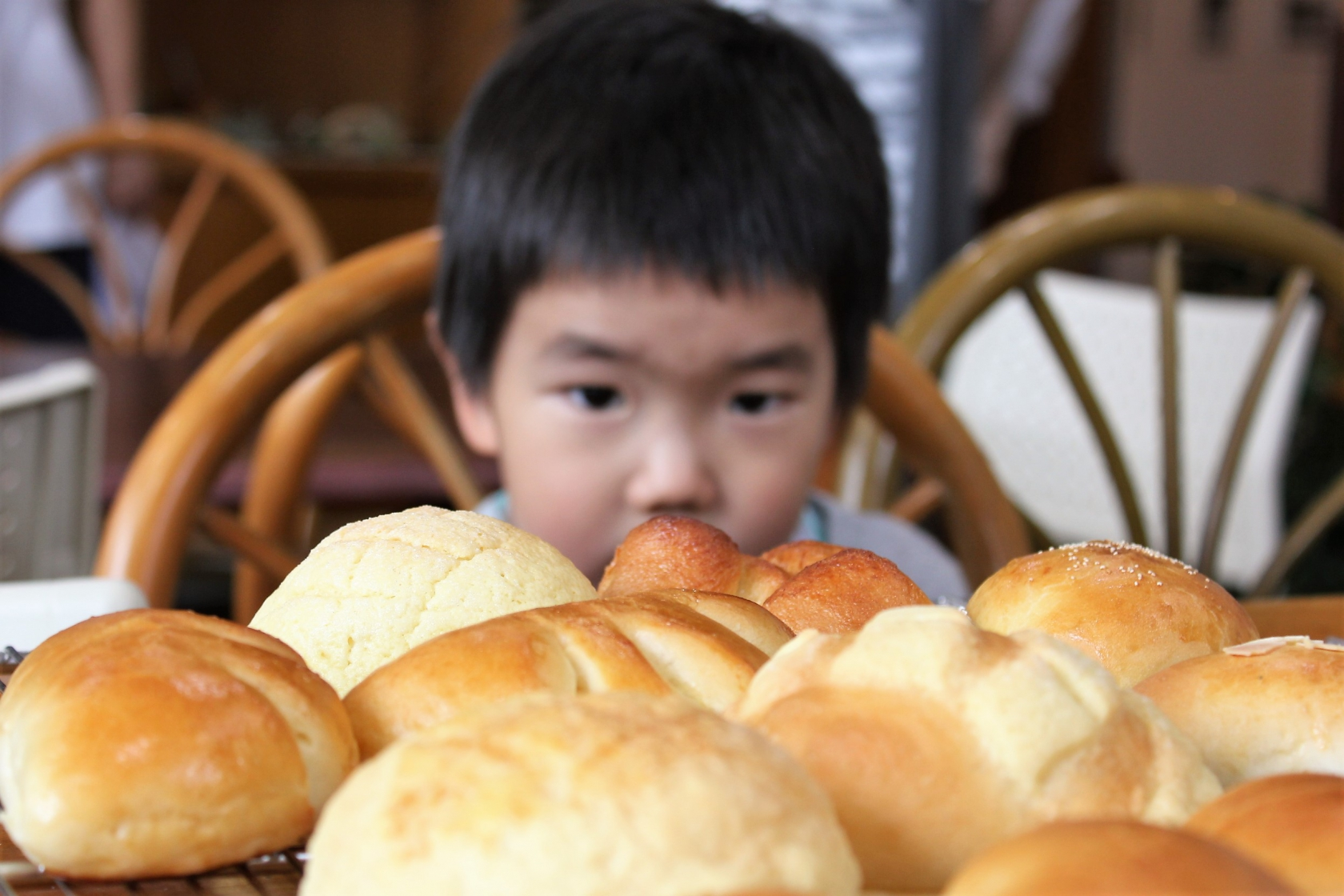 公益事業担当より「みんなでパン作りに挑戦!」の報告です!