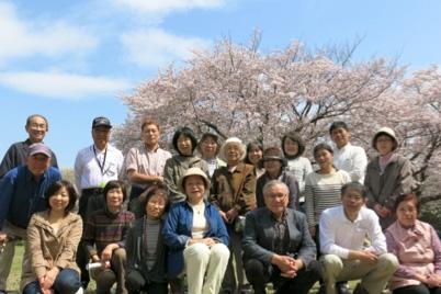家族部会恒例のお花見での集合写真です。