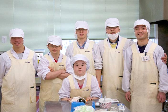 製麺作業の様子